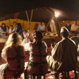 Séance aqurelle en bivouac, stage carnet de voyage Grand Sud, Alain MARC, Maroc 2006